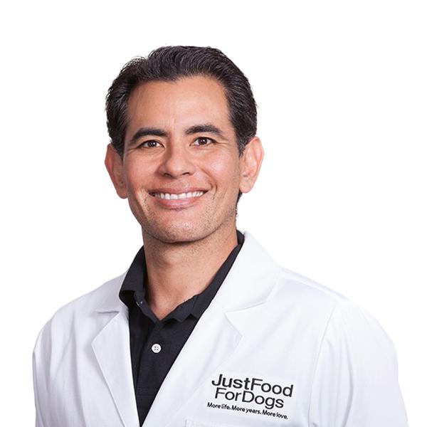 Dr. Oscar Chavez, BVetMed, MRCVS, MBA
